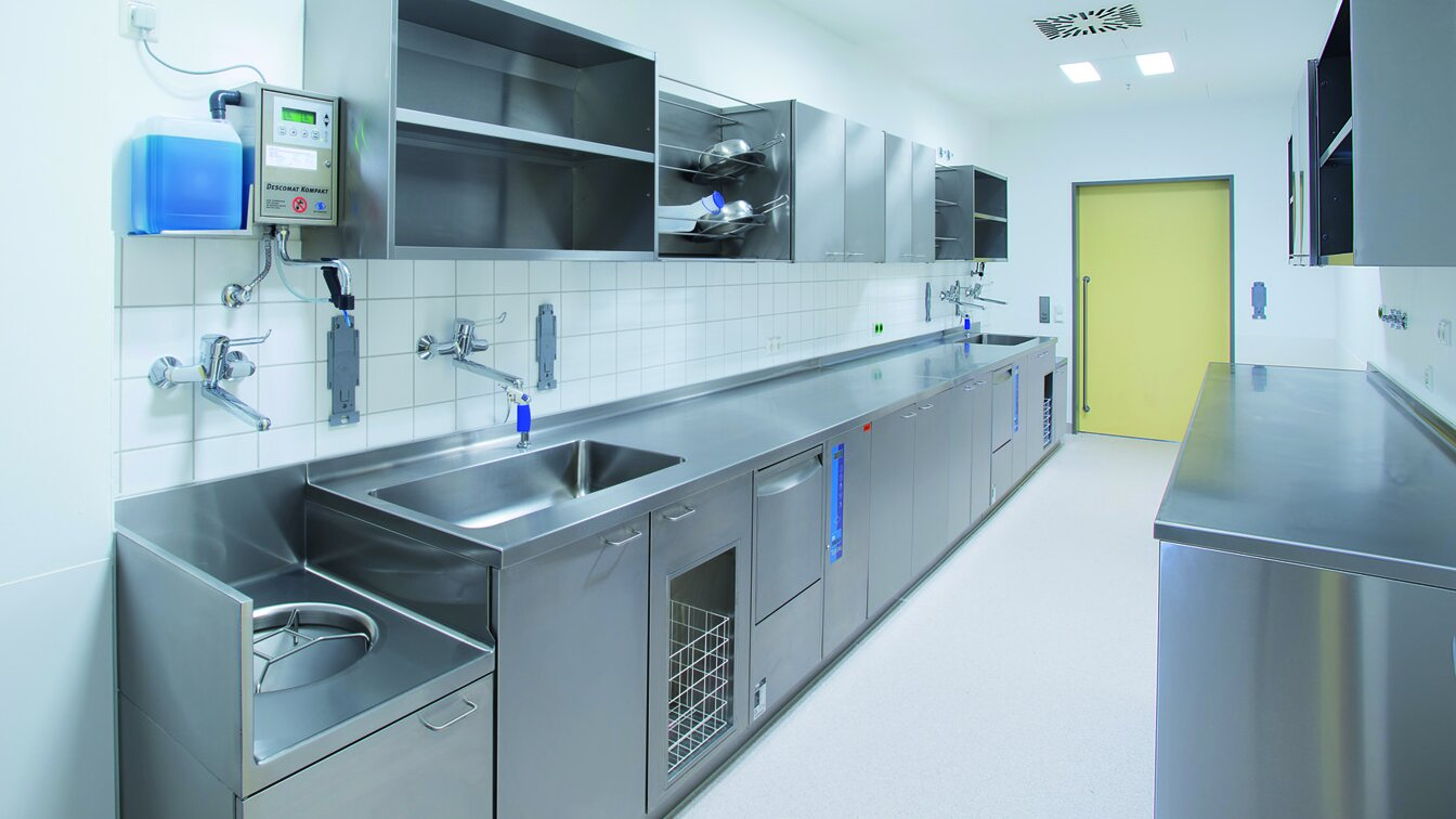 Cleaning & disinfection in retirement and nursing homes - MEIKO
